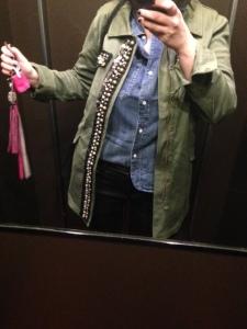 Look curvy 2: Camicia di Jeans e braghette corte. Trucco: o occhi o bocca, aggressiva o sotto o sopra.